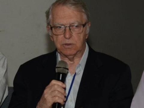 O professor da USP, José Roberto Moreira