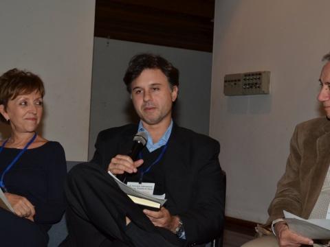 Ao centro, Bernardo Hauch Ribeiro de Castro, do BNDES, entre Elizabeth Farina (UNICA) e Francisco Emílio Baccaro Nigro (USP)