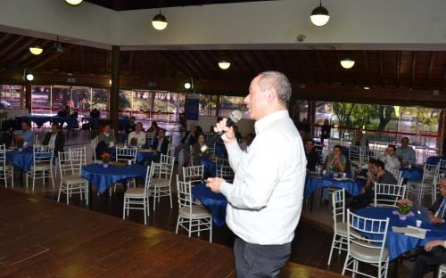 Marcelo Bales, engenheiro da CETESB que integra o Comitê do Programa Brasileiro de Etiquetagem Veicular do INMETRO (PBEV). Foto: João Batista.